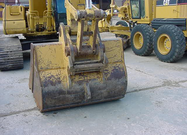 Cat 322CL HEK00602